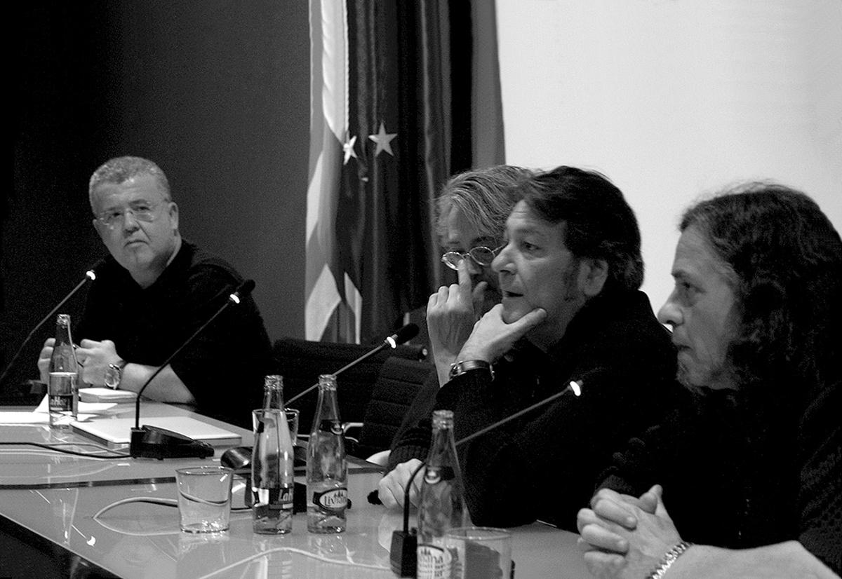Carlos-Ortin-Peret-Arnal-Ballester-Max-Jornadas-sobre-ilustracion-grafica-Muvim-foto-Veronica-Leonetti
