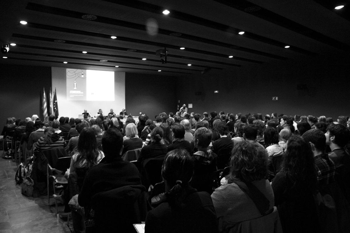 presentacion-Jornadas-sobre-ilustracion-grafica-Muvim-foto-Veronica-Leonetti